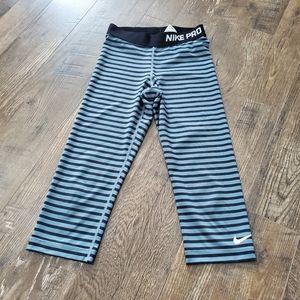 Nike Pro striped cropped leggings
